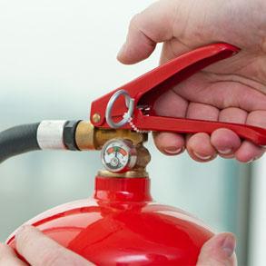 Real Decreto 513/2017 : Se endurece mantener la autorización como empresa del sector de protección contra incendios.